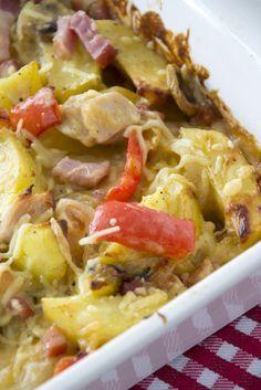 Een variatie op aardappel anders, ovenschotel aardappels anders. Een lekkere ovenschotel zonder pakjes en zakjes met verse ingrediënten.