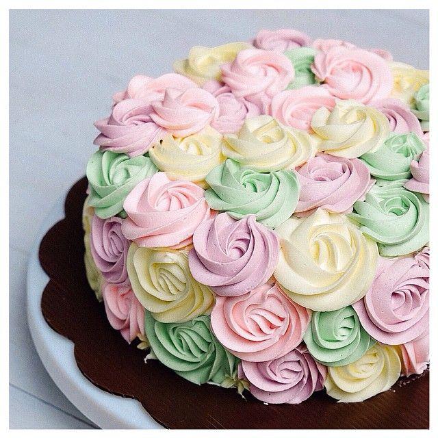 Pastel rosette zigzag choco ovomaltine cake  Next, black and white rosette zigzag anyone?