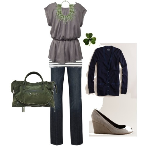 cute.: Shoes, Day Outfits, Green Gray And Black Outfits, Green Accent, Colors, Wedges, Necklaces, Green Bags, While