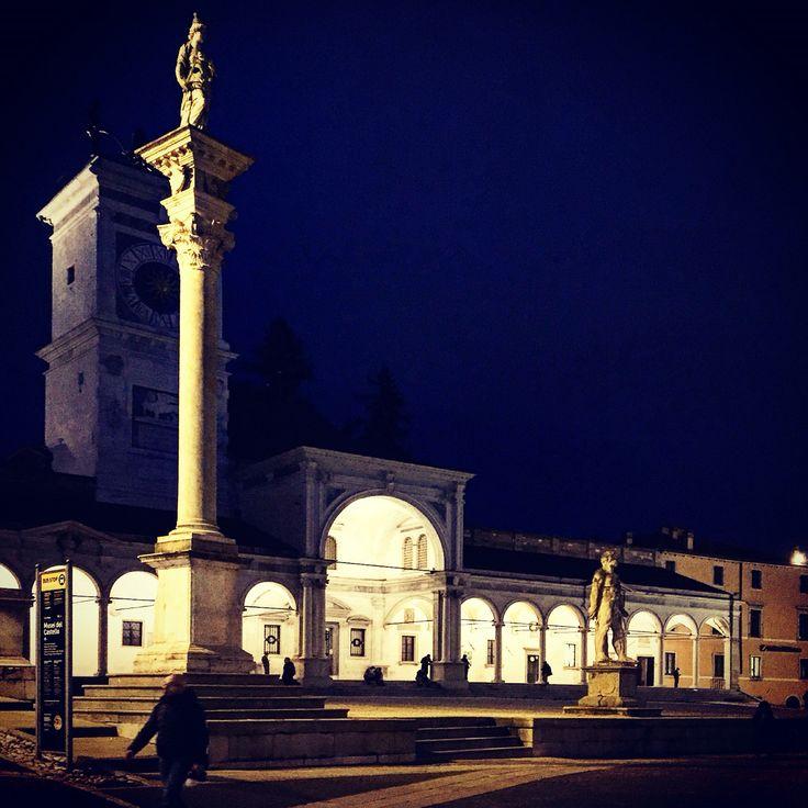 Udine, piazza della Libertà by night