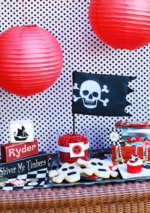 Here's some perfect pirate party ideas that'll help you create a pirate table fit for Bluebeard himself!