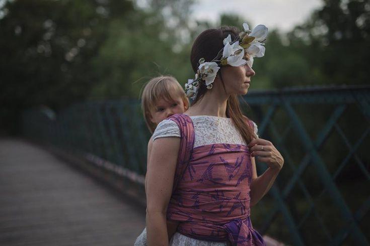 Ehawee Slings Swallows Sunset Wrap (linen) Image