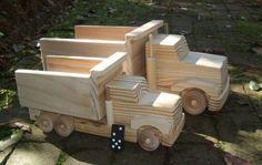 Camión de juguete de madera  aparecido en la revista maternal