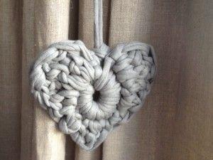 corazón trapillo (tutorial) ❥Teresa Restegui http://www.pinterest.com/teretegui/ ❥