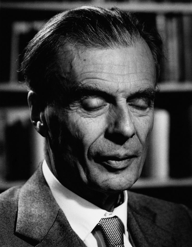 aldous essay huxley Read complete essays: aldous huxley, 1920-1925 (complete essays of aldous  huxley) book reviews & author details and more at amazonin free delivery on.