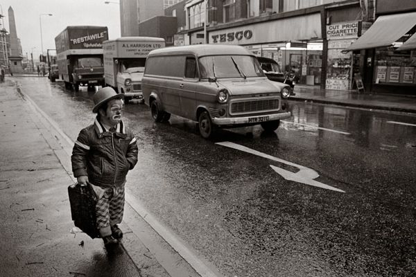 vintage everyday: Black & White Photographs of Life in London in The 1970's