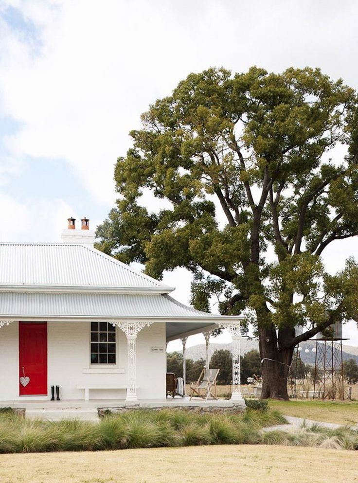 Trelawney Farm - Located in the heart of the Mudgee wine trail, a few hours west of Sydney, this 150 year old colonial farmhouse will have you dreaming of kicking back by the fire, listening to the birds out on the verandah, and itching to bathe in the outdoor claw foot bath.