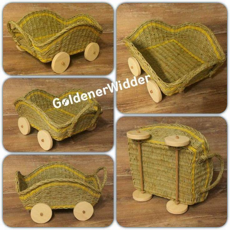 Плетение из газетных трубочек: Тележка для хлеба с крутящимися колёсами :)