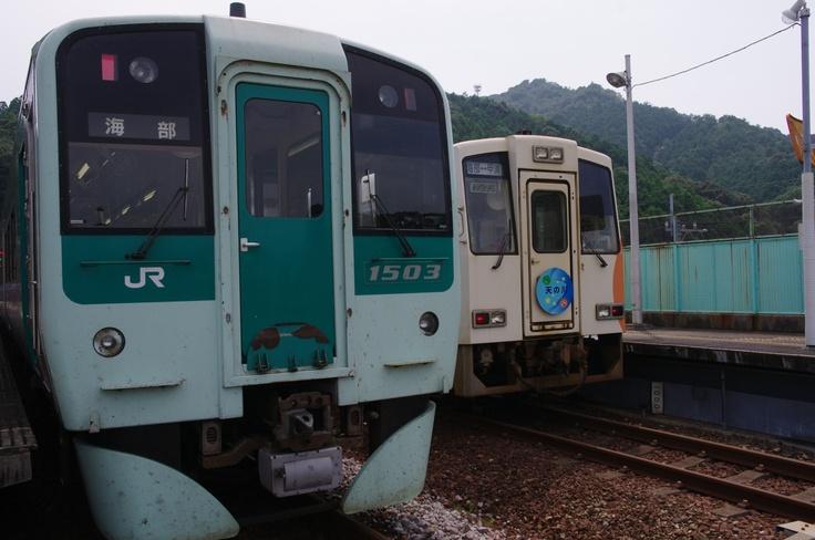 JR Shikoku 1500 series and Asa Seaside Railway ASA-300 type train in Kaifu station, Tokushima