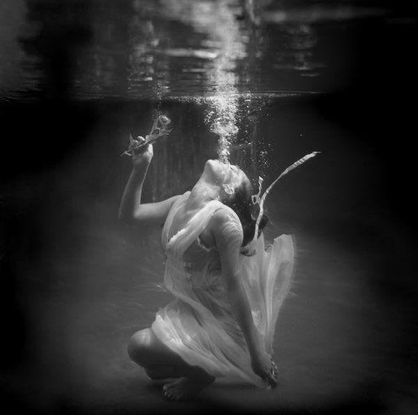 черно-белые картинки душа стала