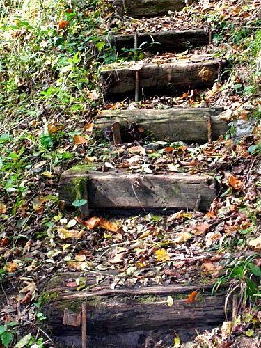 Best 25 traverse chemin de fer ideas on pinterest chemin de fer de jardin traverses de - Traverses de chemin de fer pour jardin ...