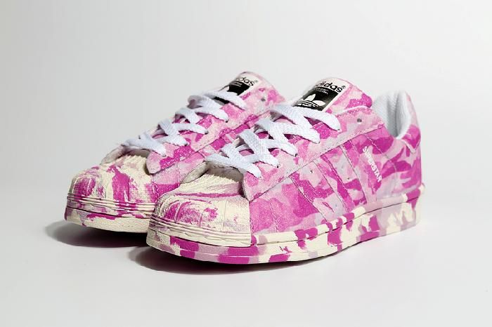 hot pink adidas superstars adidas nmd r1 white