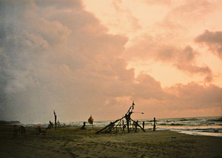 "Yury Ermolenko, ""AROUND & AROUND VI"" (Land art project ""Baltic - Hel""), 2003, Hel Peninsula, Baltic Sea, Poland #YuryErmolenko #юрийермоленко #ЮрийЕрмоленко #yuryermolenko #юрiйєрмоленко #ЮрiйЄрмоленко #юрийермоленкохудожник #landart #balticsea #sea #sky #amazing #RapanStudio #photo #photography #metaphysics #metaphysical #philosophy #installation #лэндарт #инсталляция #art #contemporaryart #modernart #magic #texture #around #poland #hel #helpeninsula #artproject #artproject #лэндарт…"