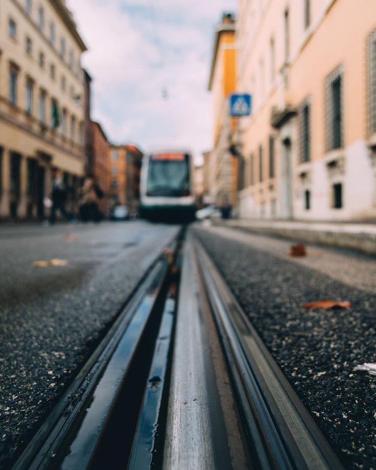 Un tram come punto di fuga.