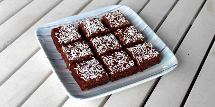 Gluten Free Chocolate Lunchbox Slice - Happy Tummies