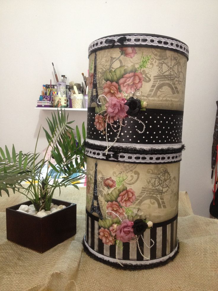 Reciclagem, bombona de papelão feito pintura,decoupagem, estêncil, carimbos, fitas, apliques e flores