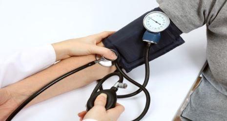 Qu'est-ce qu'une pression sanguine normale selon votre âge?