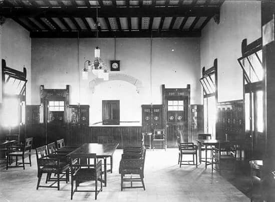 Ruang Tunggu di Stasiun Kereta Api Tawang, Semarang 1910-1920
