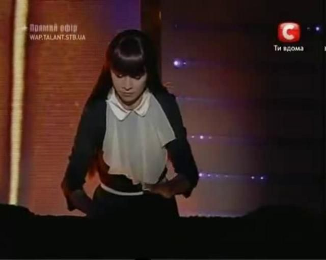 "This video shows the winner of 2009's "" Ukraine's Got Talent"", Kseniya Simonova, 24, drawing a series of pictures on an illuminated sand table showing how ordinary people were affected by the German invasion during World War II. Her talent is mesmerizing to watch. Makes our talent shows seem so shallow in comparison. The images, projected onto a large screen, moved many in the audiences to tears and she won the top prize of about $75,000.  She begins creating a scene by show…"