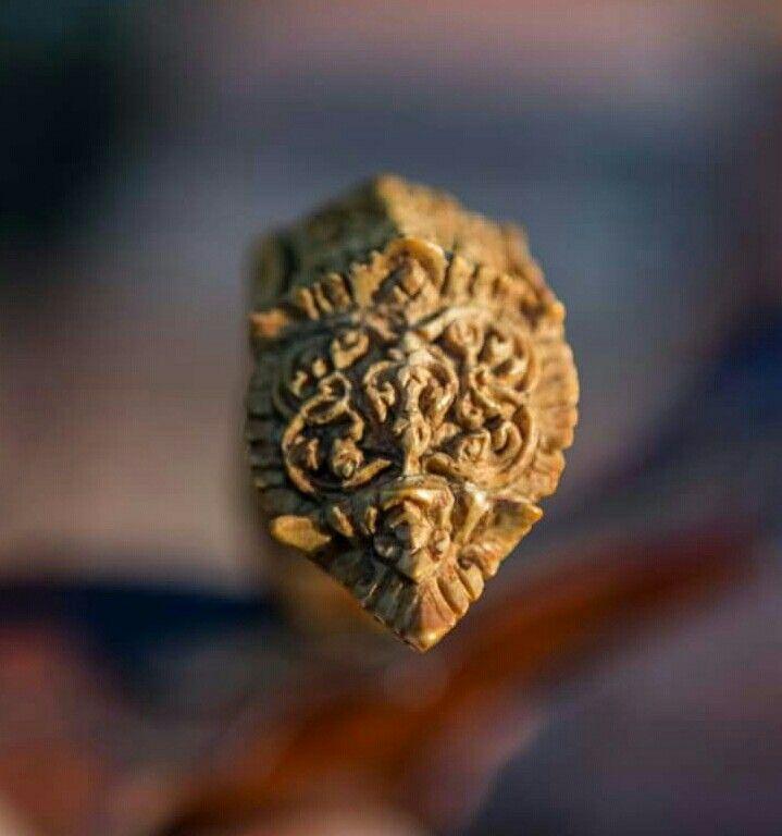 Hulu keris seni kuno thailand jaman Ayutthaya tipe karuda ukiran gading