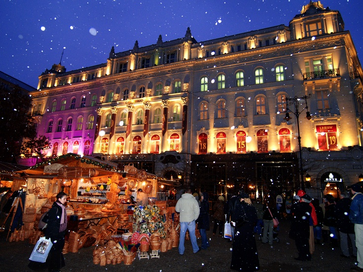 "Budapest Christmas Market 2012. ""Europe's Best Christmas fair"" (Sunday Times, 2008) 18th of November - 30th of December 2012. view on Fb https://www.facebook.com/BudapestPocketGuide  #budapest  #budapestchristmasmarket  #budapestchristmasfair"