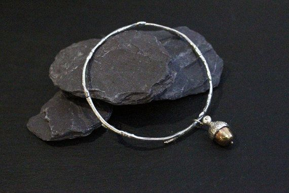 Hey, I found this really awesome Etsy listing at https://www.etsy.com/uk/listing/498832511/sterling-silver-acorn-charm-bangle-925