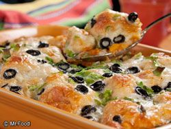 Border Biscuit Bake; Cut up can biscuits, add jar salsa, Monterey Jack shredded, green pepper, scallions, sliced black olives and bake. This looks delicious and I think it would be easy to change and/or add veggies and maybe chopped or shredded chicken! Will be trying this one.