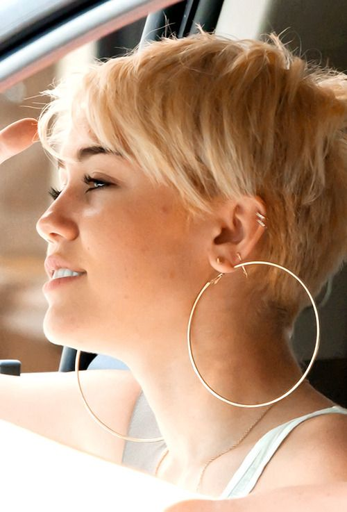 Miley Cyrus short hair from the side.    28      8