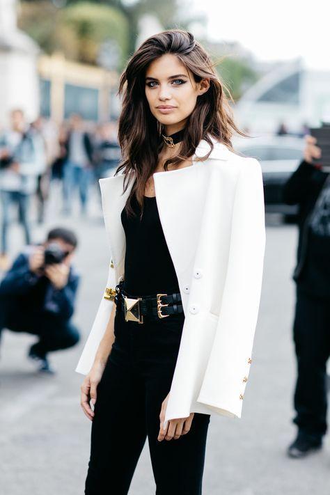 Sara Sampaio   Paris Fashion Week, 2017.