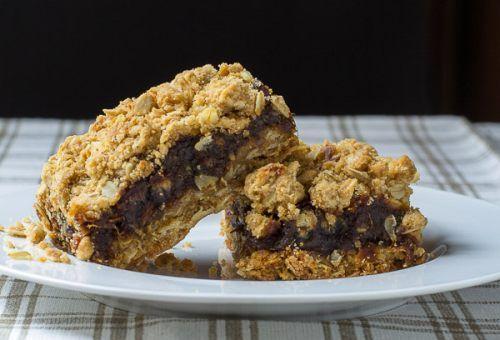 Date Crumbles Newfoundland Recipe. Cookbook of Traditional Newfoundland Meals by Newfoundland.ws