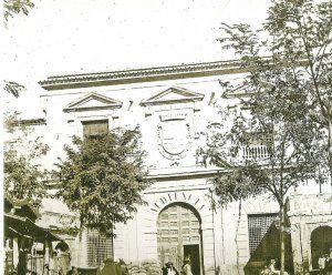 Audiencia. El Palacio del Almudí, entonces Audiencia, en una foto del espléndido libro de María Manzanera 'Nuestro pasado fotográfico. Murcia memorable'.«¡Que vienen los turcos!»