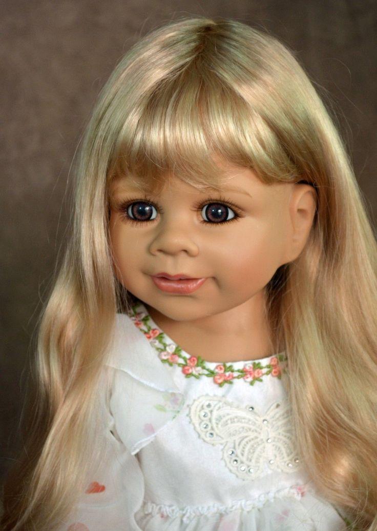 Masterpiece Happy Birthday Kate Blue Eyes Long Blonde Wig