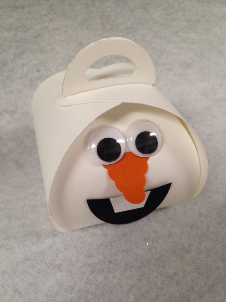 Snowman using Stampin' Up!'s Curvy Keepsake Box Thinlits Die. . .
