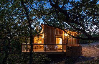Cabane spa, cabin with spa, wood cabin, rustic chic, vacances originales à deux ou en famille, romatic night, nuit d'amour, coffet cadeau, sud ouest, glamping France, cabanes perchées