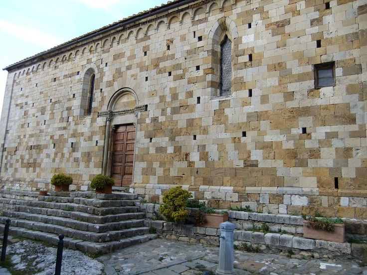San Leonardo Church Montefollonico  http://www.charminly.com/a-walk-in-tuscany-through-the-hamlets-of-val-dorcia/