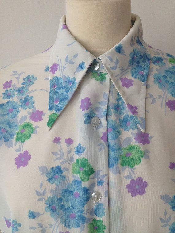 Hey, I found this really awesome Etsy listing at https://www.etsy.com/listing/208711797/vintage-70s-1970s-flowered-womens-shirt