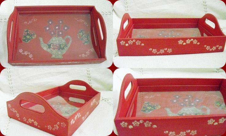 Bandeja pequena em madeira MDF com vidro. Pintada, decoupada e envernizada. http://vitrine.elo7.com.br/soularte