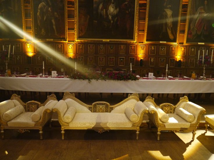 Elegant Indian style sofas in front of the High Table