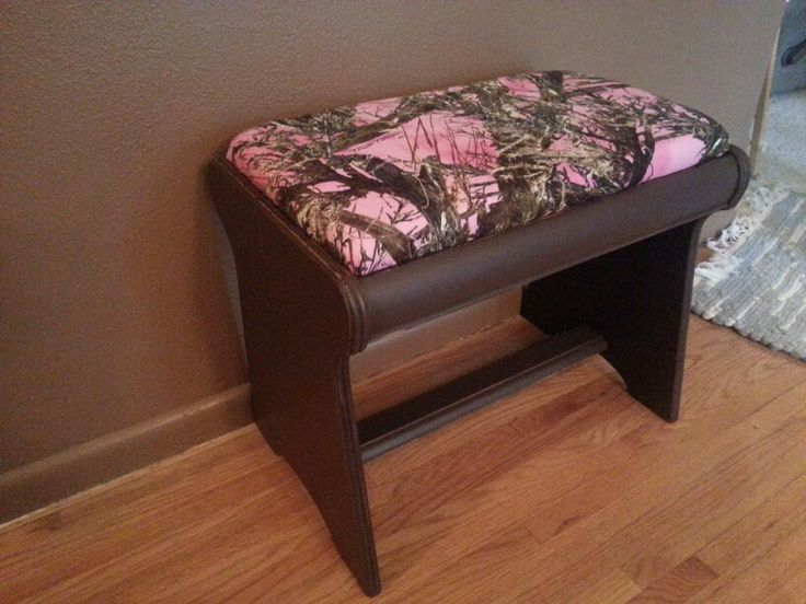 Brown and pink camo bench