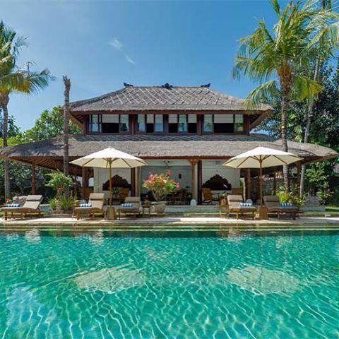 Pooltime at Villa Batujimbar. #villabatujimbar #sanur #bali #villaonview #luxuryvilla #balinese #explorebali #thebalibible #balistyle #baliwedding #balibride #pooltime #poolside #pool