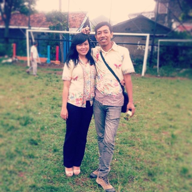 #football #lapangan #batikcouple #romantic by @mellamoonz - Square Pics