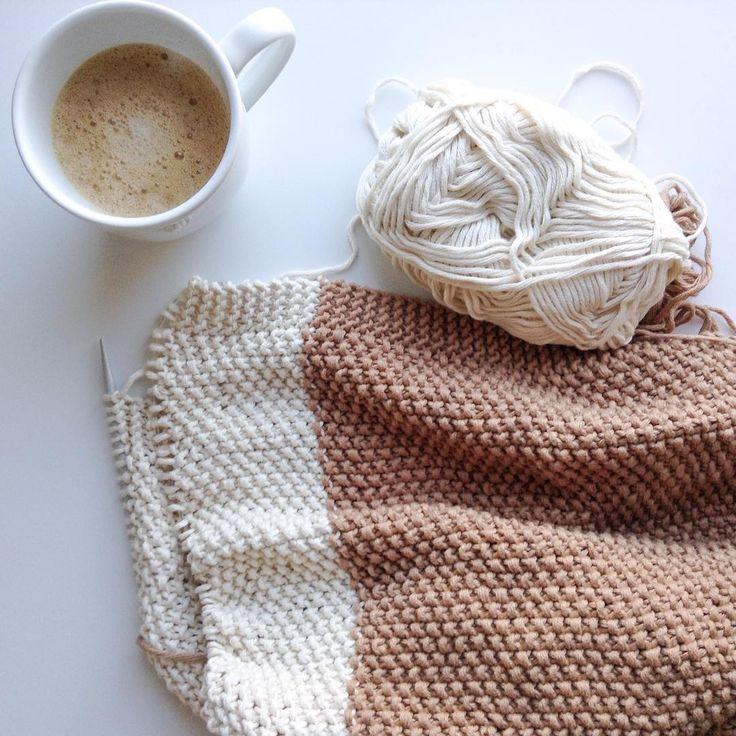 Working on #luisaparapluie's #blanket for the kindergarten, have a nice day! ☕️ Aprovechando el silencio matinal para trabajar el la #manta de Luisa para la guardería, os deseo un feliz día! #eltiempopasademasiadorapido #knitting #tejer