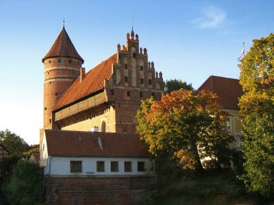 The original Olsztyn Castle is another remnant of Casimir the Great's 14th century reign. All that remains of that Olsztyn castle is ruins.    However, the town of Olsztyn boasts a recent version of the castle. The new Olsztyn Castle is now a museum, which offers a hands-on approach to learning about life in the castle.