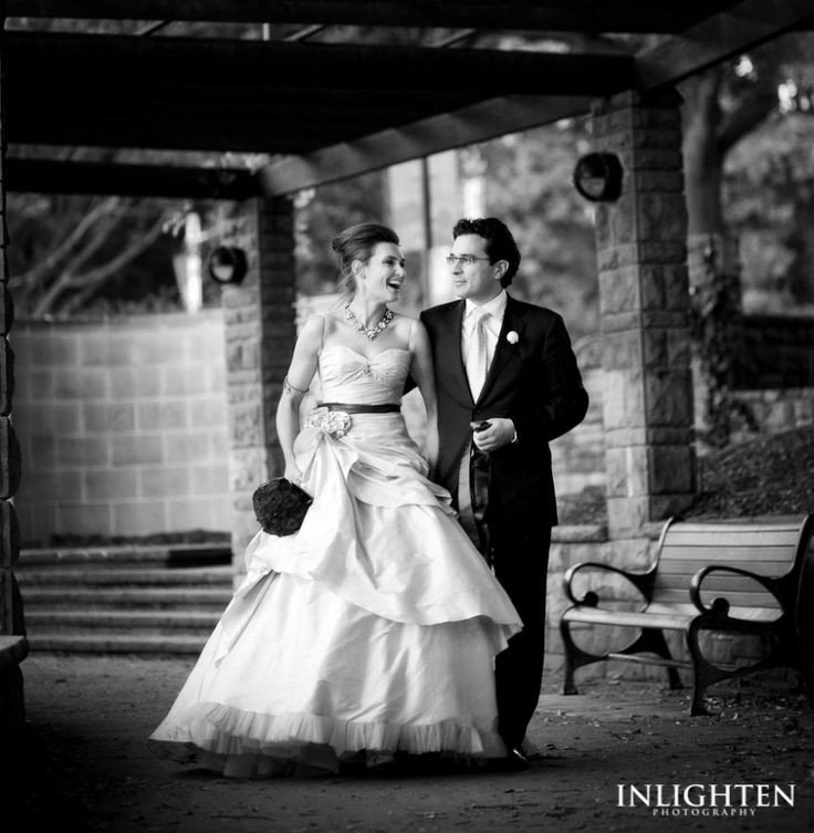Location » Hyde Park Sydney.   Inlighten Photography romantic black & white wedding portrait ideas.