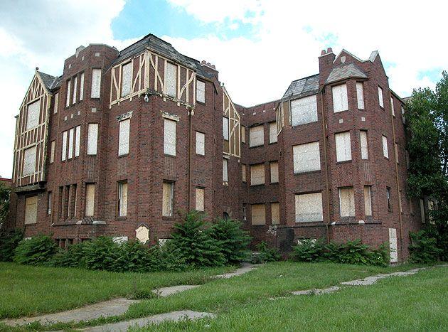 Detroit Ruins - The Sandringham Apartments
