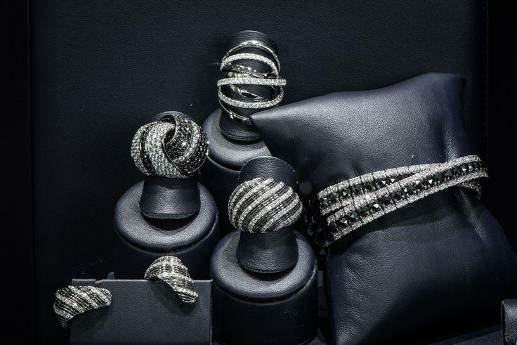 Bortolin Gioielli Udine - le nostre vetrine  #gioielli #orologi. Visita il nostro sito www.bortolingioielli.it