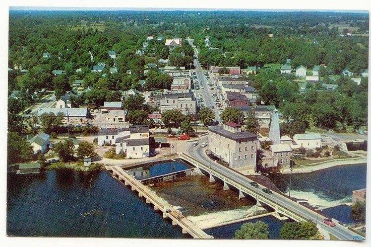 An old Photo of Fenelon Falls  Ont. I live here, top left a forest  #Lindsay-FenelonFalls #MLI #ESL #LearnEnglish #Canada #ON #Homestay #StudyinCanada