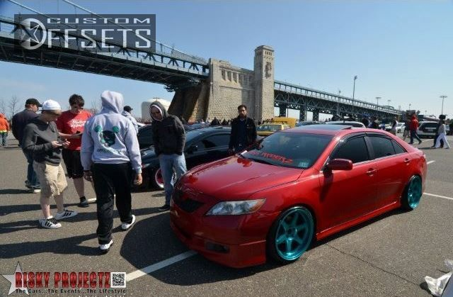464 6 2007 camry toyota se 4dr sedan 35l 6cyl 6a dropped 3 varrstoens es222 custom aggressive 1 outside fender.jpg
