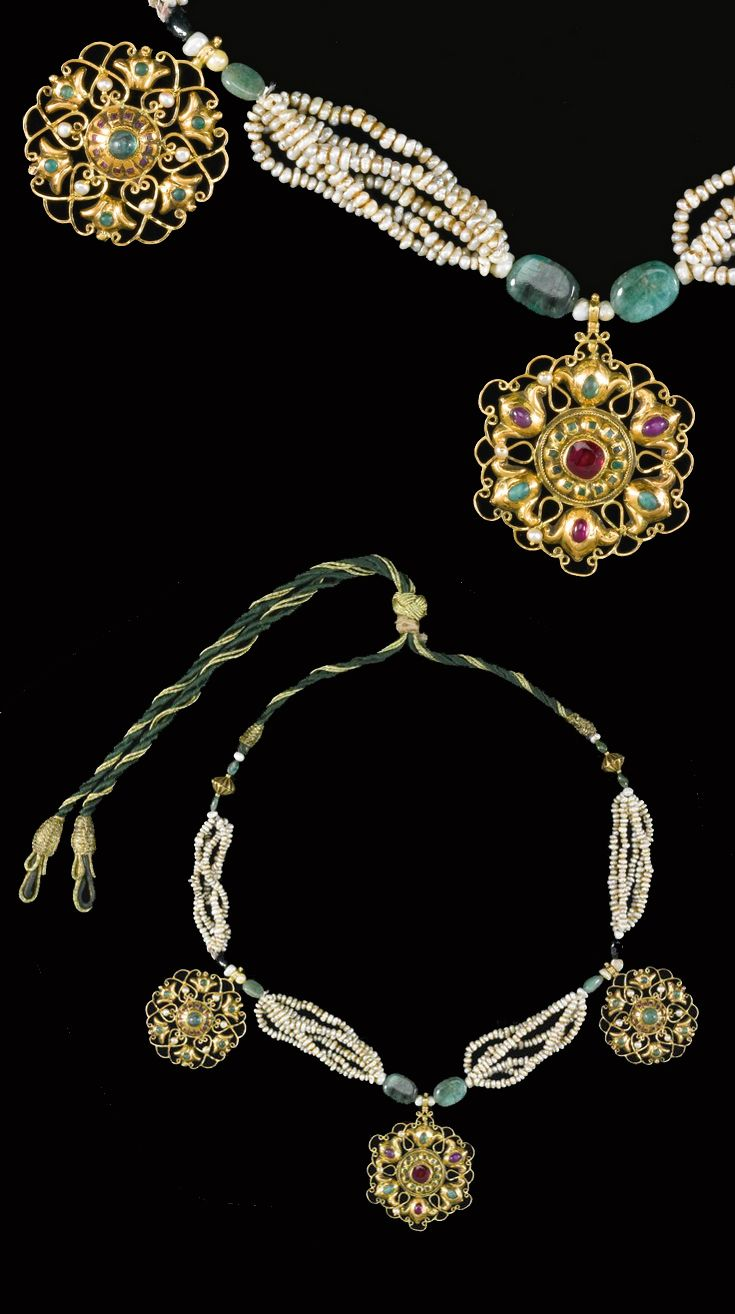 Morocco | 'Tazra' ~ Gem-set, enamel, seed pearl gold necklace | 18th century |