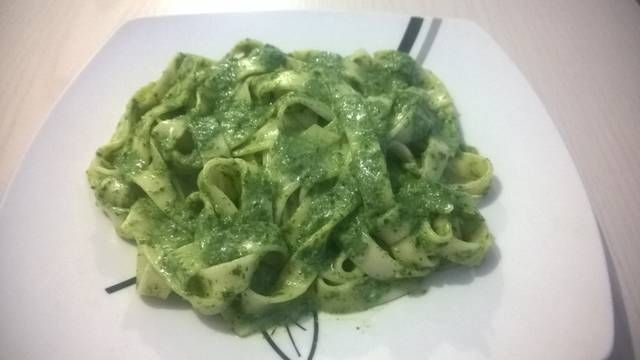 Fetuccini en Salsa de Espinaca